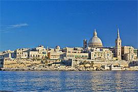 Valletta vom Wasser aus